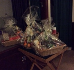 Wonderful draw hampers
